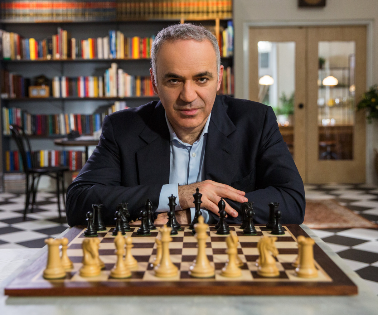 Garry Kasparov Chess Masterclass Review- start game